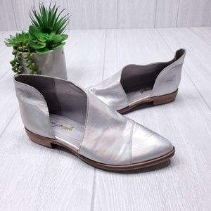 Free People Cut Out Pointy Toe Silver Shoes 7